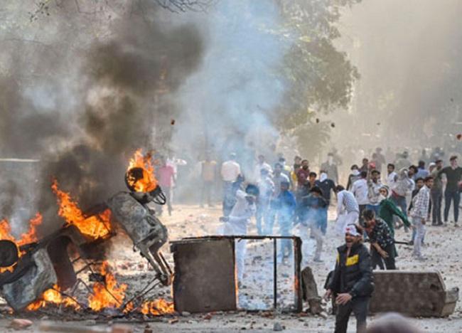 Muslim India terancam, mesjid di dibakar, sebanyak 11 orang tewas dan 150 lainnya terluka.