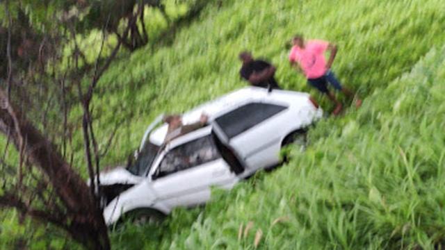 Na tarde desta quinta 20/02 um carro capota na BR-230, no altos sertão da PB