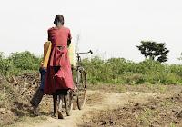 La speranza riguarda i poveri. Dio cammina con loro ed ogni promessa troverà compimento. Per questo sono beati.