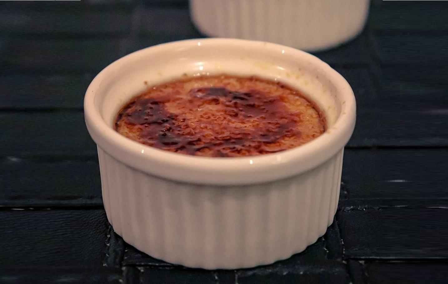 Cream brulee with vanilla