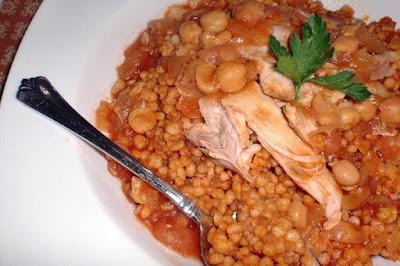 طريقة تحضير حبيبات المفتول وطبخه على الطريقة الفلسطينية