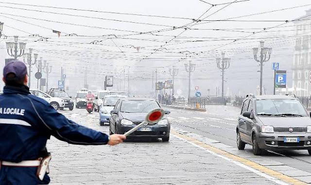 Buongiornolink - Smog Torino blocca anche Euro 5 diesel, ferme 250mila auto