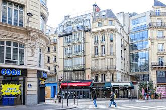 Paris : Immeuble du 95 rue Montmartre, structure de fers apparents et briques émaillées, le rationalisme constructif de Sylvain Périssé, ingénieur civil - IIème