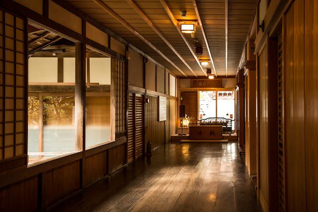 Interior del templo :: Canon EOS5D MkIII   ISO200   Canon 24-105@45mm   f/4.5   1/25s
