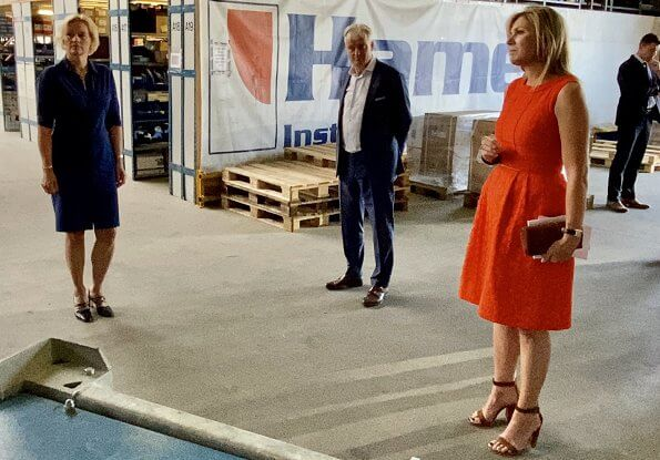 Queen Maxima wore a Natan summer dress in orange. The Queen visited technology facility TechnoHUB in Woerden