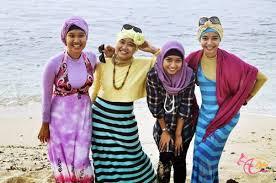Model Baju Muslim Pantai Modis dan Trendy Terbaru