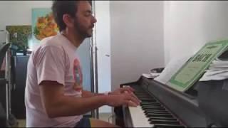 """Pasodoble de la comparsa """"Los Americanos"""" de Juan Carlos Aragón cantado a piano por Francis Lozano"""