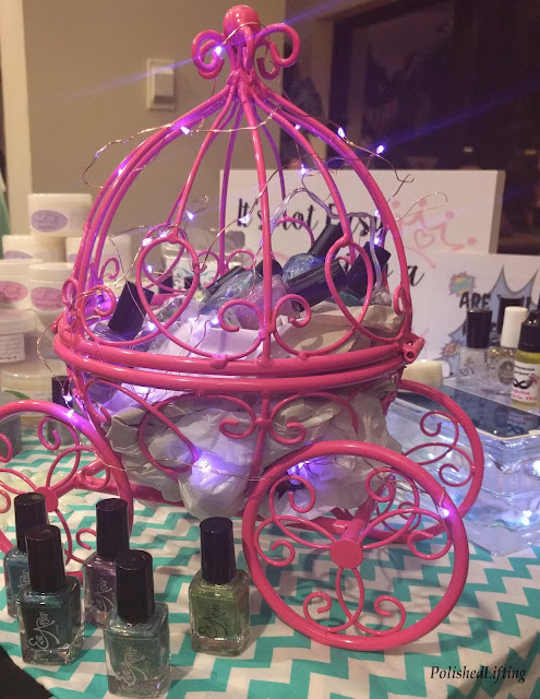 nail polish display