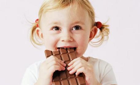 Apakah Makan Cokelat Bisa Bikin Batuk?