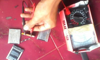 Cek tegangan baterai hp normal