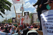 Pemda Loteng Tolak Pergantian Nama Bandara, Ribuan Masyarakat Mendatangi Kantor Bupati Lombok Tengah