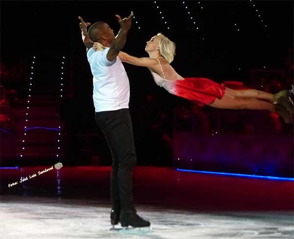 Vídeo y fotos del espectáculo de patinaje sobre hielo en el Gran Canaria Arena