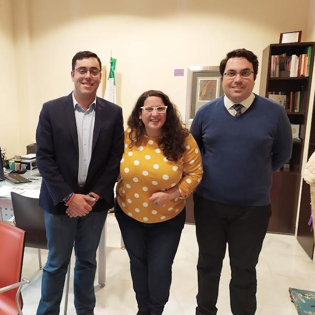 Reunión en el Instituto Andaluz de la Mujer