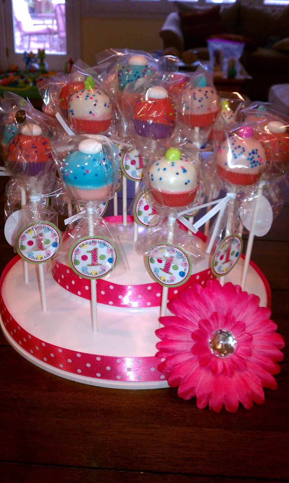 Natalie S Cake Pops Natalie S Party Cake Pops
