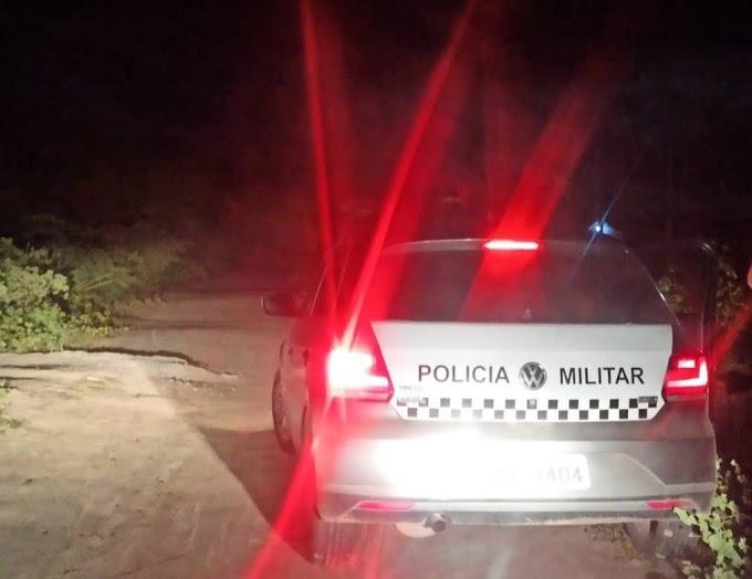 Elementos armados tomam celular e furadeira de assalto próximo a curva da concha em Grossos