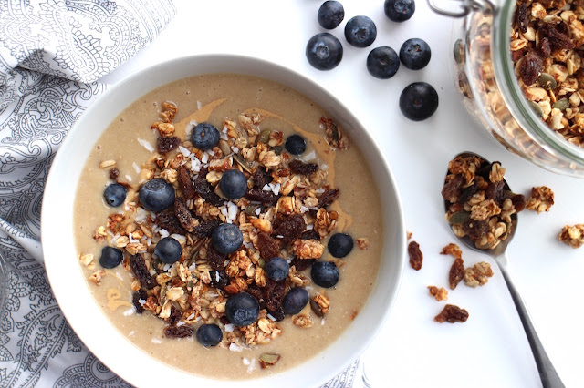 Banana Maca Smoothie Bowl