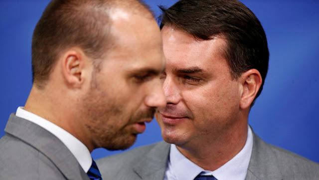 """Facebook elimina cuentas de """"desinformación"""" vinculadas con el equipo de Bolsonaro"""