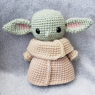 Baby Yoda Amigurumi crochet pattern