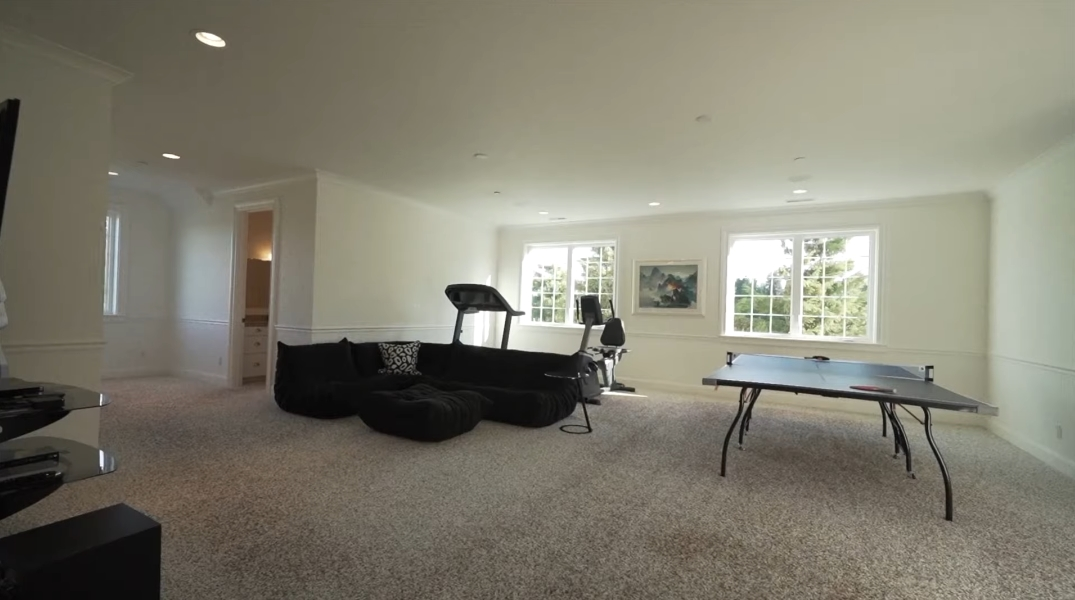 41 Interior Design Photos vs. 19600 NW 55th Ave, Ridgefield, WA Luxury Mansion Tour
