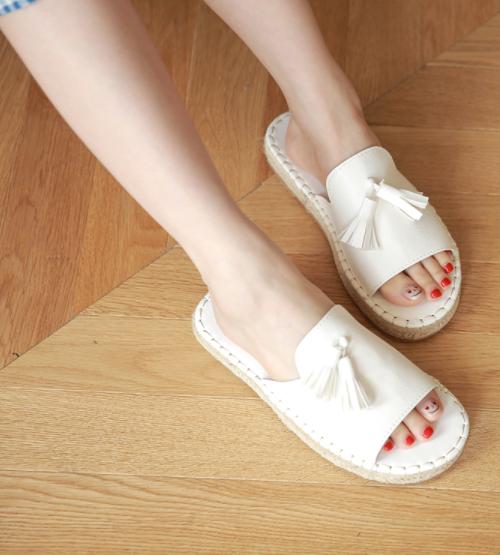 Tasseled Espadrille Style Slippers