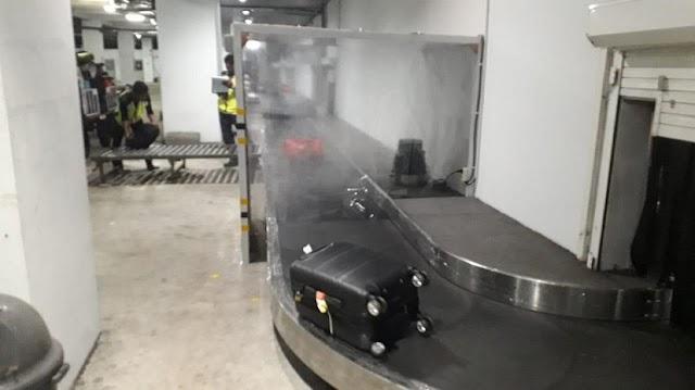 Bandara Aktifkan Mesin Otomatis Penyemprot Disinfektan Ke Bagasi Penumpang