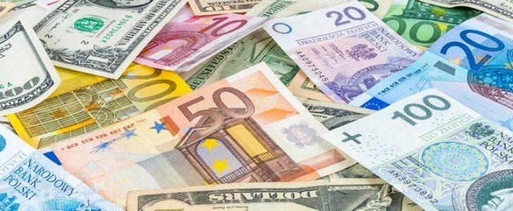 الآن..أسعار العملات الأجنبية اليوم، صعود الدولار يدفع اليورو والريال للإشتعال