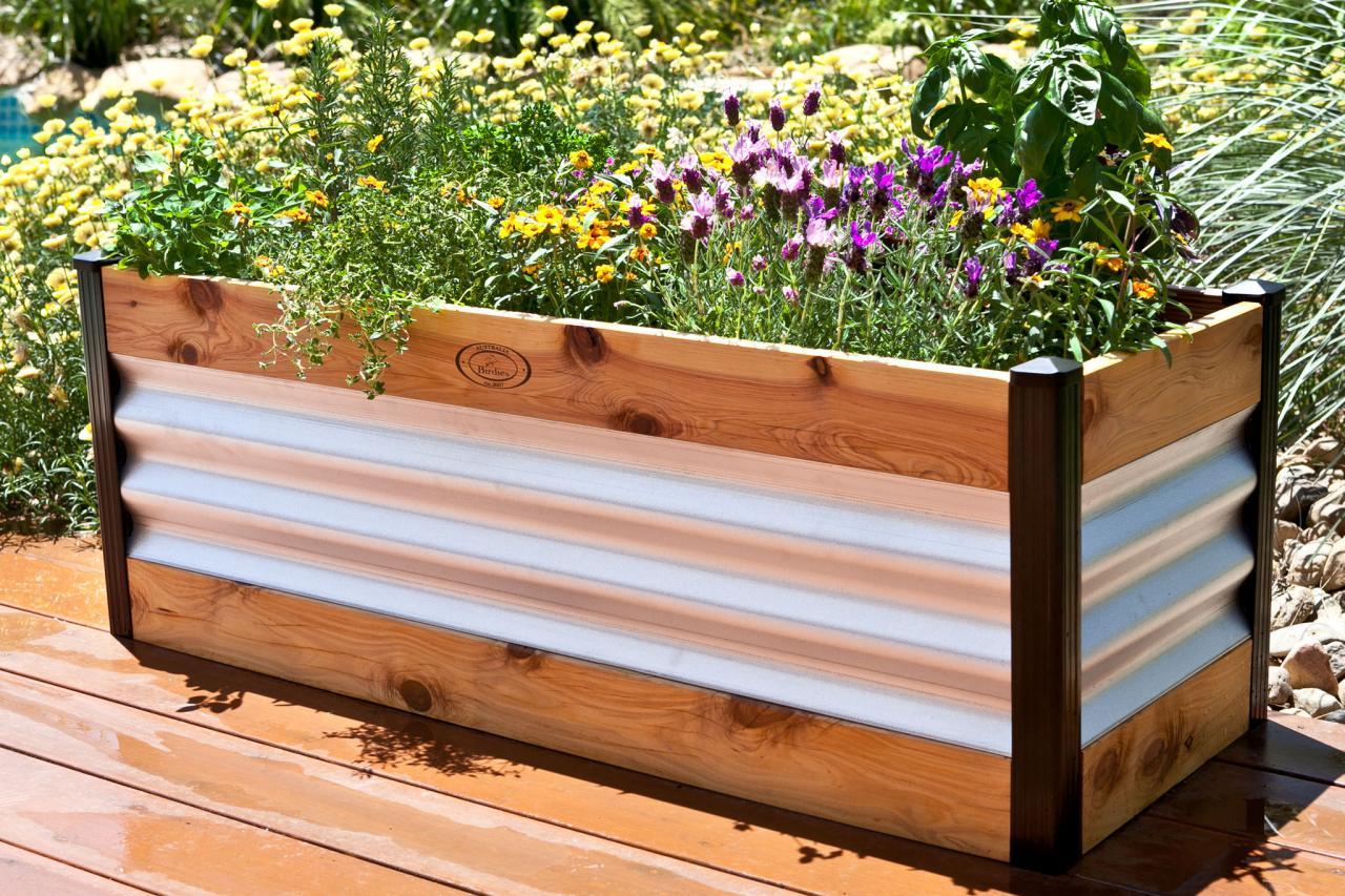 25 Creative Cheap Raised Garden Bed