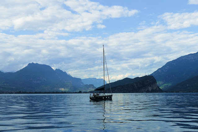 lago di garda barca a vela gita