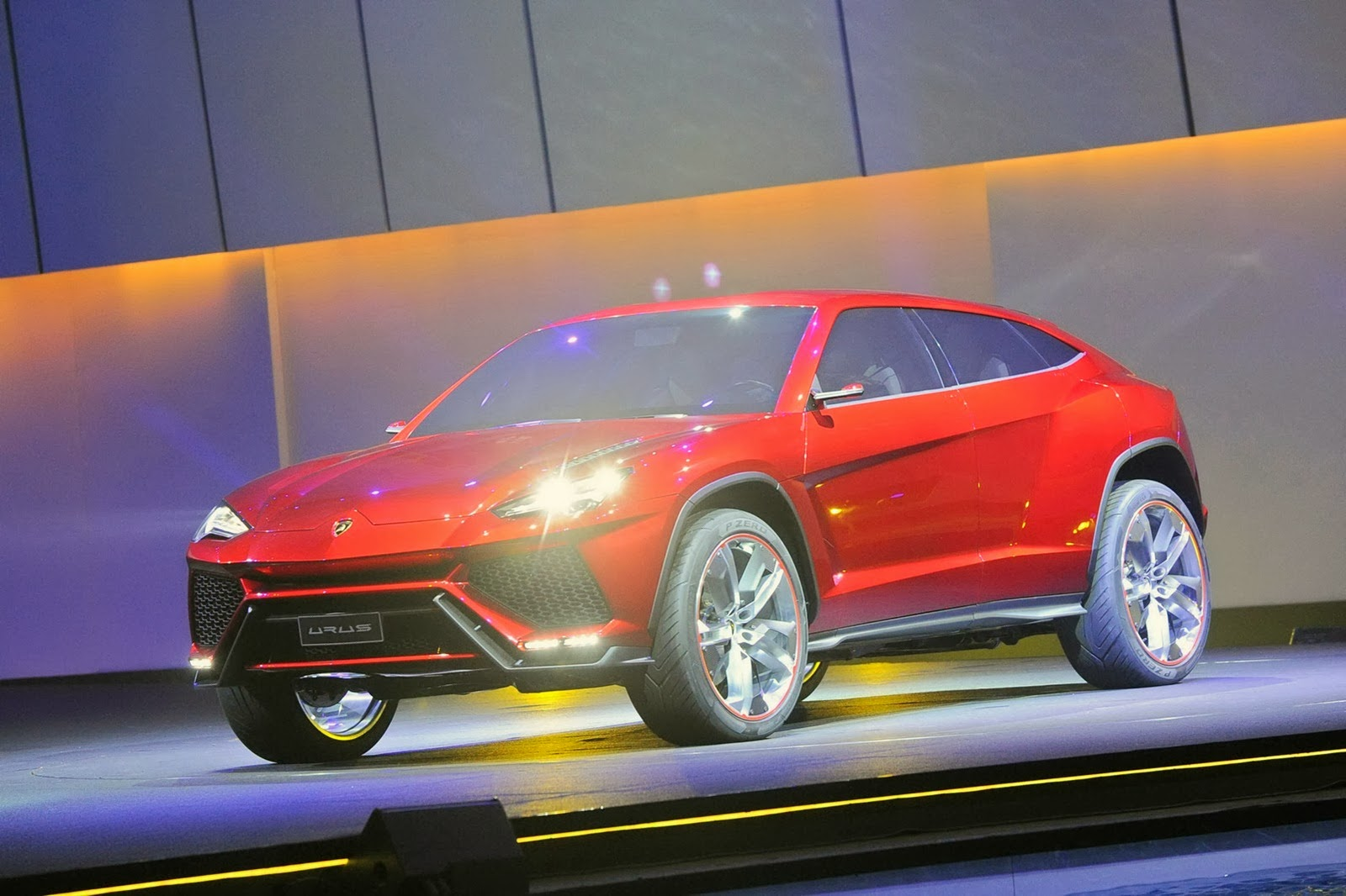 lamborghini wants to attract more women with upcoming urus suv. Black Bedroom Furniture Sets. Home Design Ideas