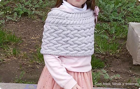 Con hilos, lanas y botones: capita Blair para niña