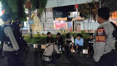 Asik Pesta Miras, 5 Pemuda di Situbondo Diamankan Polisi