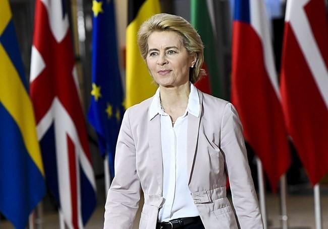 """Soumission occidental aux idées gauchiste : La présidente de la Commission européenne veut """"construire une UE véritablement antiraciste...!"""""""