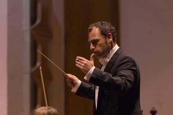 """El director de orquesta López Sandoval, ganador del Concurso de Marchas """"Centenario"""""""
