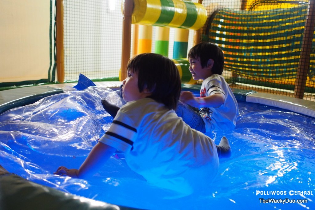 The polliwogs robertson quay the wacky duo singapore - The quays swimming pool timetable ...