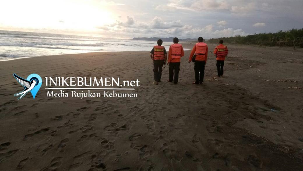 Perahu Terbalik, Penambang Pasir Tradisional di Klirong Hilang