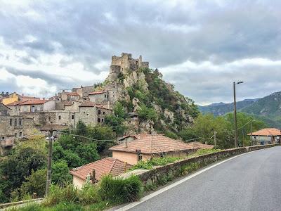 Castelvecchio rocca barbena
