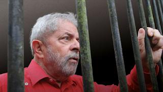 Lula, cachaça e o discurso messiânico