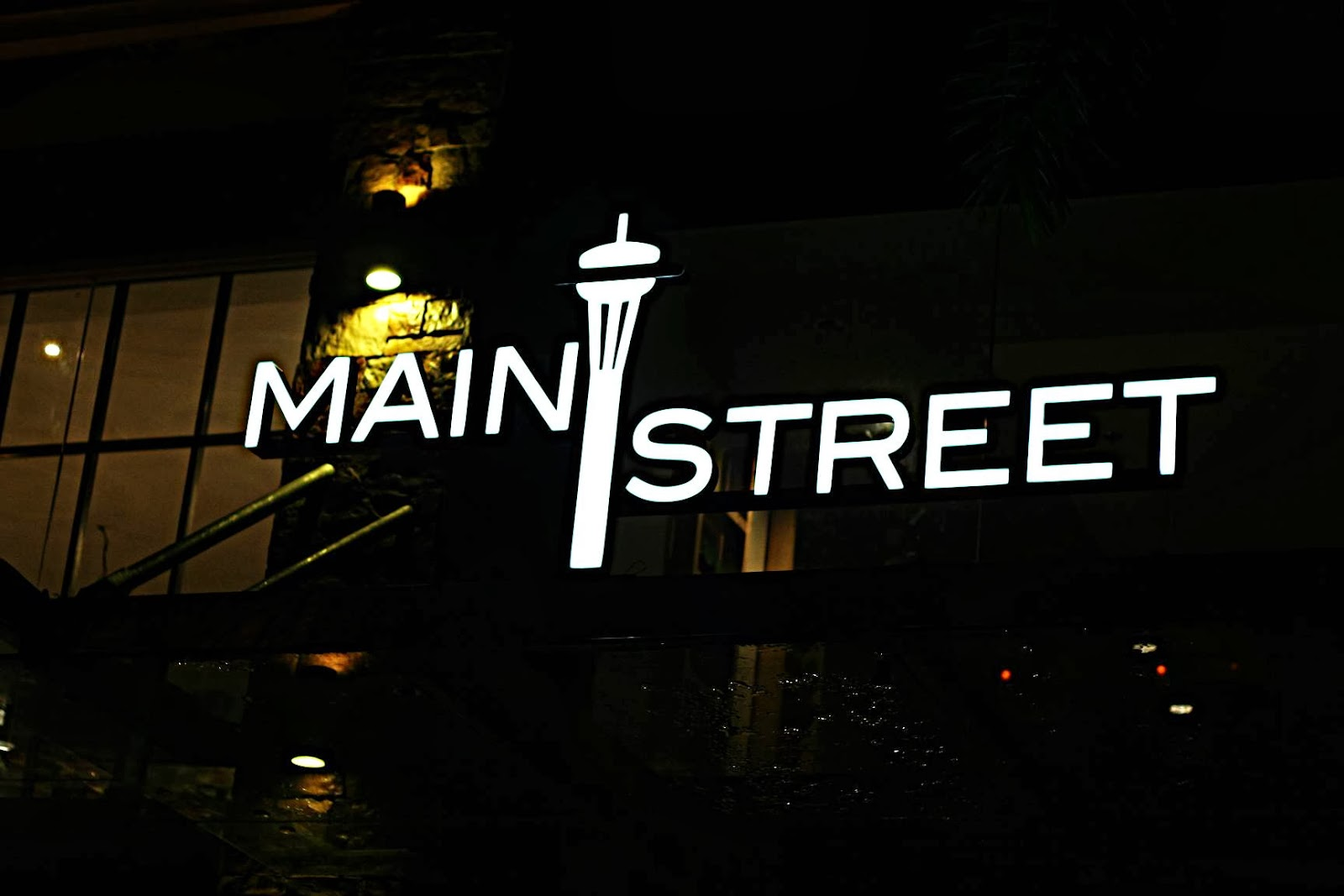Main Street Canadian-American Restaurant at McKinley Hill