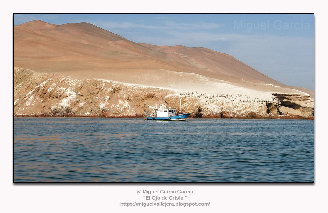 Desierto de Paracas, Pisco-Ica (Perú). Vista desde el Océano Pacífico.