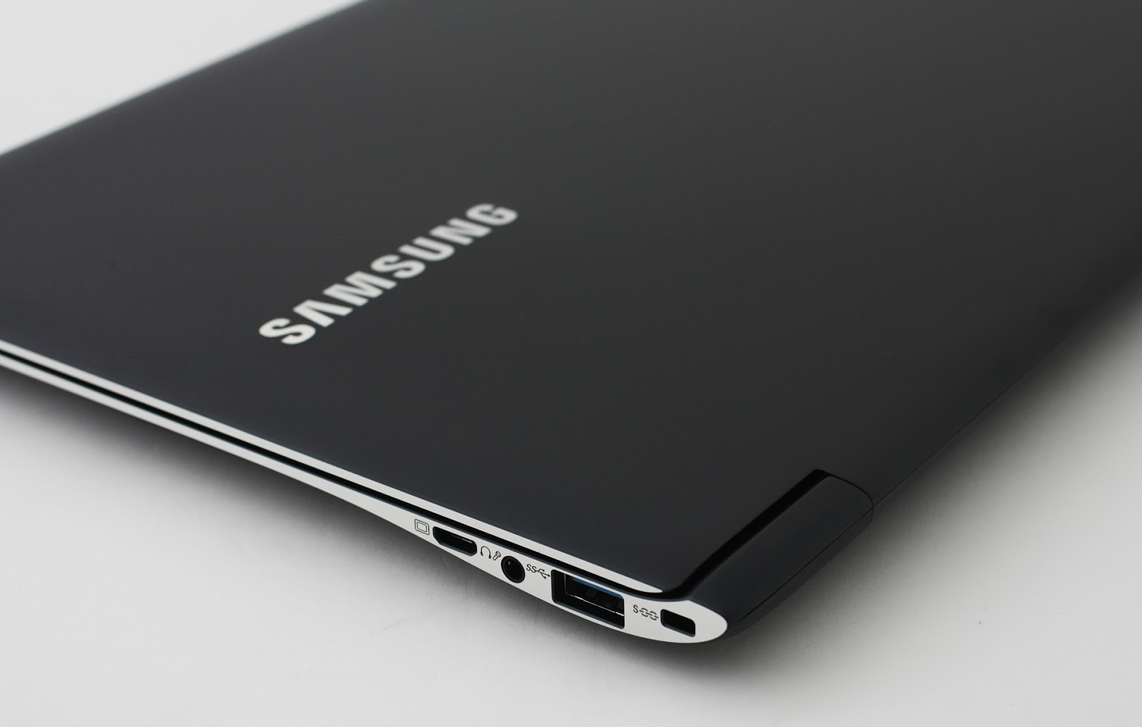 Image Result For Harga Laptop Hybrid Samsung