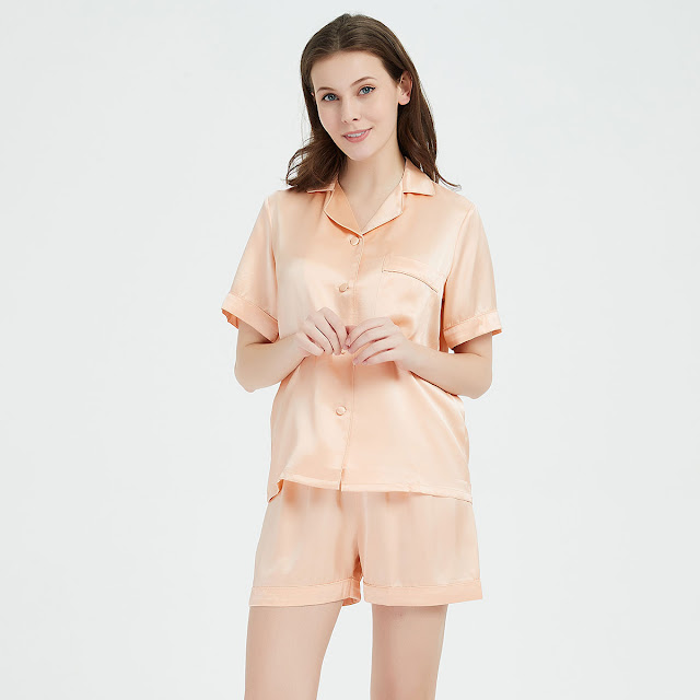 https://www.freedomsilk.com/22-momme-classic-short-silk-pajama-set-p-285.html
