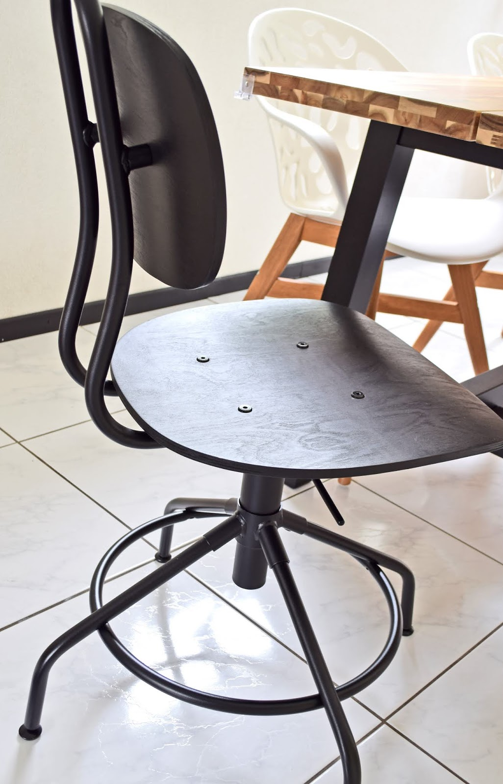Krzesło obrotowe, czarne