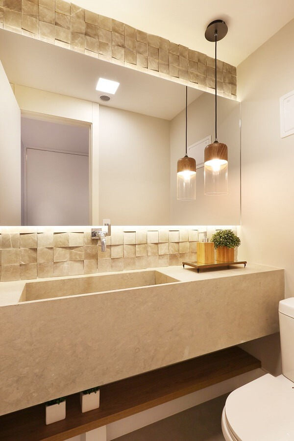 3D bathroom cladding and the built-in lighting bring charm to the room