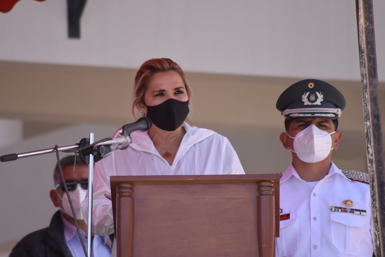La presidenta constitucional apuntó contra su antecesor, hoy asilado en Argentina / ABI