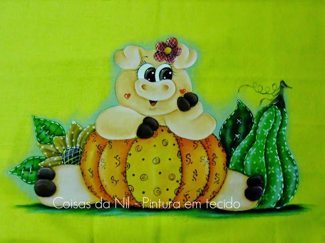 pano de copa com pintura de porquinha e aboboras no estilo country
