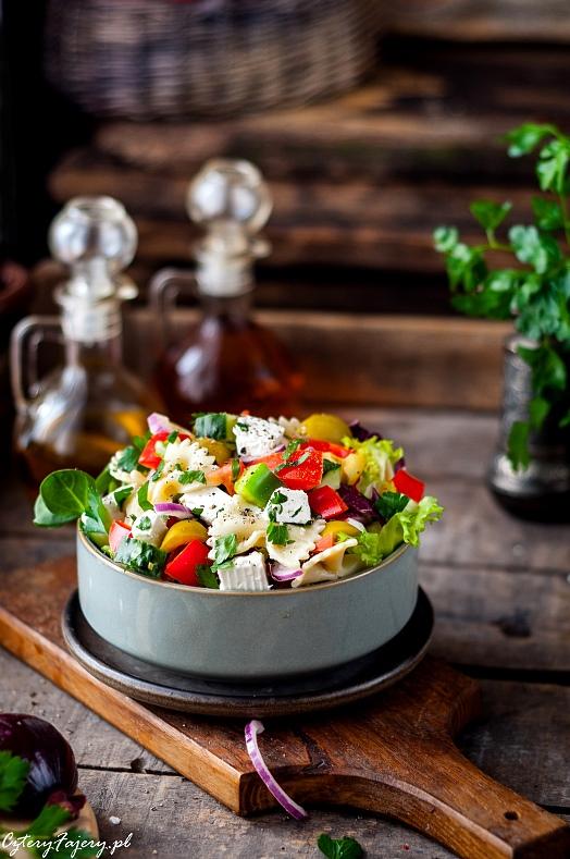salatka-srodziemnomorska-z-makaronem