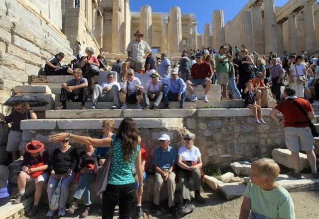 Μετά Τον Εμπαιγμό Θεοχάρη, Προσφεύγουν Στο ΣτΕ Οι Αρχαιολόγοι Για Το Επάγγελμα Του Ξεναγού.