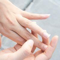 الأظافر التالفة ، الأظافر المكسورة: تقوي الأظافر الهشة