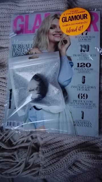 Miesięcznik Glamour z gąbką do makijażu Blend It!