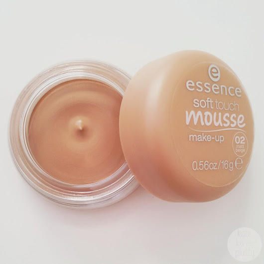 Review: Essence Soft Touch Mousse Make-up- 02 Matt Beige